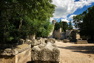 Arles, Bouches-du-Rhône - The Alyscamps, ancient Roman necropolis