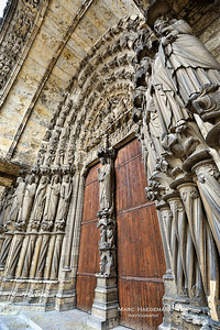 The central portal of the south transept, depicting the Last Judgment (1210-1215)