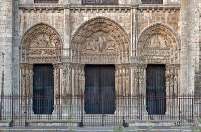 The royal portal on the west façade (1145-1155)