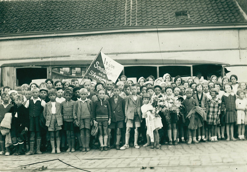 Charity work for school holiday camps in St. Amandsberg (1933)