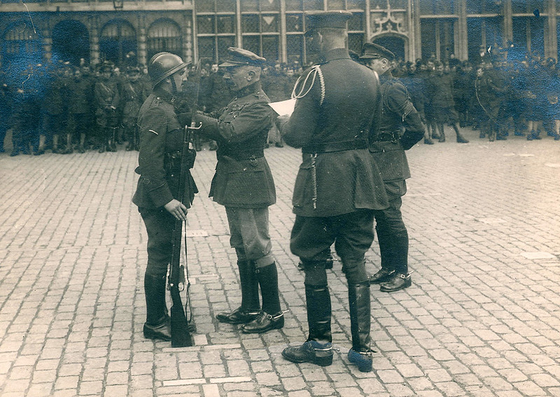 Sergeant Jean Pecher receives the Croix de Guerre in Antwerp (21 August 1919)