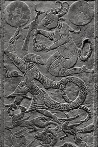 Stone relief depicting legend of Fuxi lifting the sun, Gallery of Han Tomb Stone Carving, Xuzhou, Jiangsu Province.