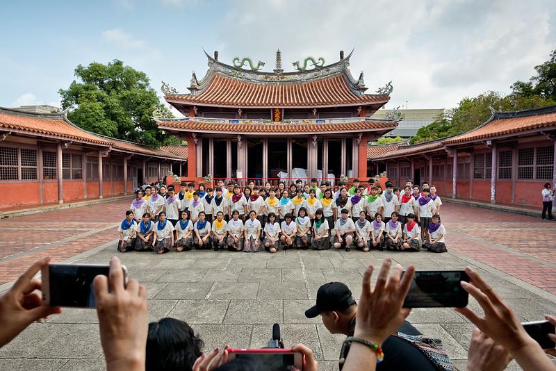 Kuang Hua High School students at the Confucius Temple, Tainan, Taiwan