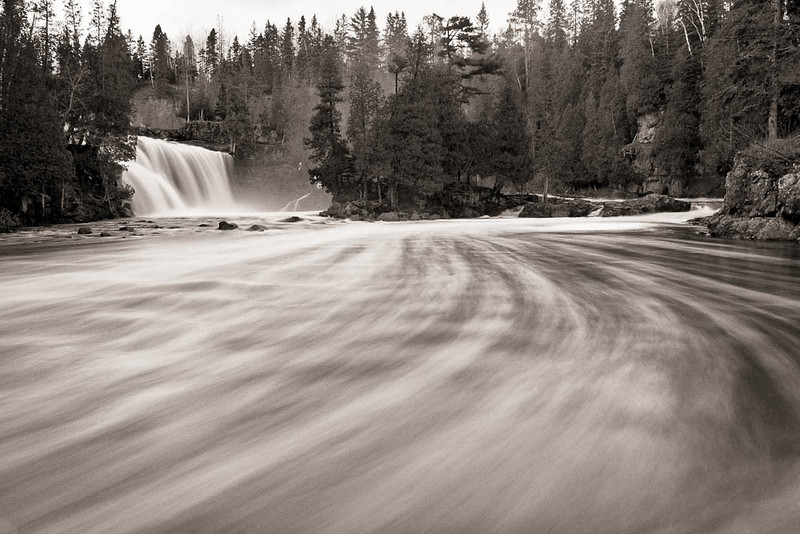 Heading Downstream<br /> <br /> Gooseberry Falls State Park<br /> Two Harbors, Minnesota<br /> (5II-20386)