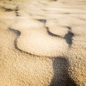 22 - Sand shadows