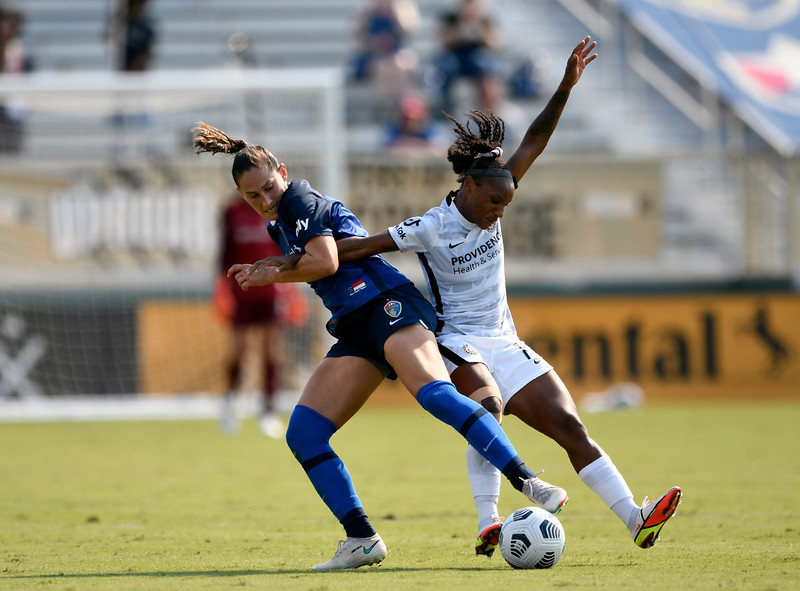 North Carolina Courage vs Portland Thorns 9/12/21<br /> Sahlen's Stadium at WakeMed Soccer Park<br /> Cary, NC<br /> <br /> Photographer: Gregory Ng from Follow Greg Sports Photography<br /> <br /> SoccerPhotographer.com<br /> Instagram: FollowGregSports