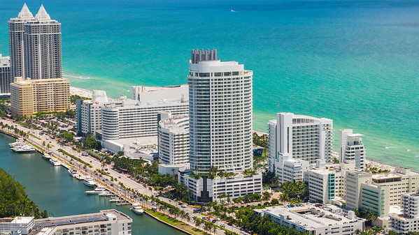 Aerial photo Fontainebleau Hotel Miami Beach