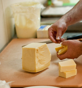MID_CuttingCheese_9262013