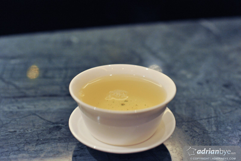 Oolong tea to drink during dinner