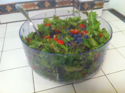 1/18/2011 - 7:00 PM - Meal 3  Blueberries - 610g - 88 carbs - 348 calories Tomatoes - 760g - 30 carbs - 137 calories Lettuce - 682g - 22 carbs - 116 calories