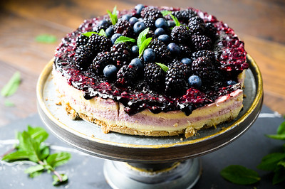 Blackberry Cheesecake with Ginger Cinnamon Crust