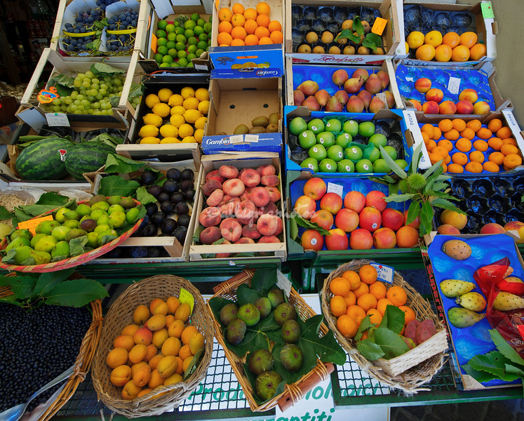Italy, Val Chiavenna, Lombardy, fruit, produce, local, food market,