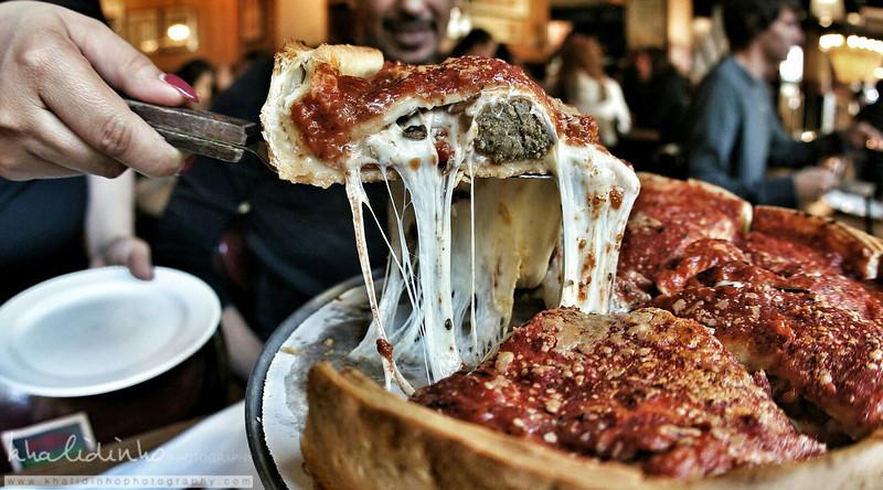 Deep Pan Pizza - Giordano's