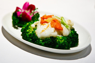 Sautéed Garoupa Fillet with Broccoli
