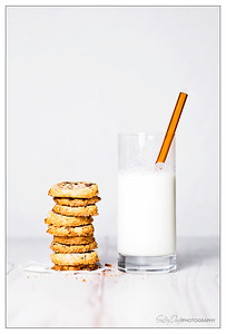 Salted Chocolate Chunk Shortbread Cookies with Milk