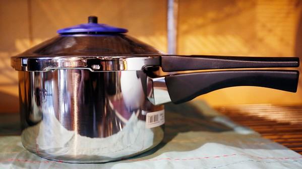 Kitchen gadgets at Different Drummer's Kitchen-010517