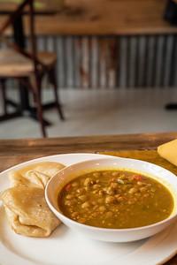 11 Hauz curry chickpea w-roti-01761