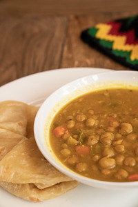 11 Hauz curry chickpea w-roti-01776