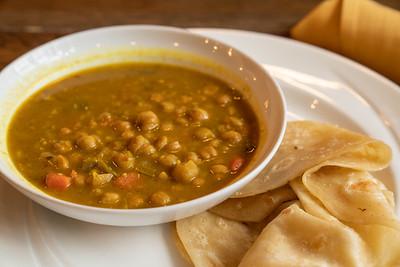 11 Hauz curry chickpea w-roti-01756