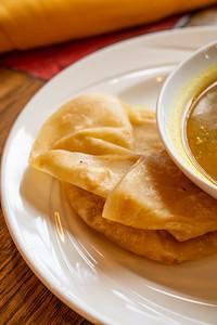 11 Hauz curry chickpea w-roti-01752