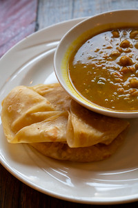 11 Hauz curry chickpea w-roti-01741