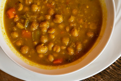 11 Hauz curry chickpea w-roti-01742