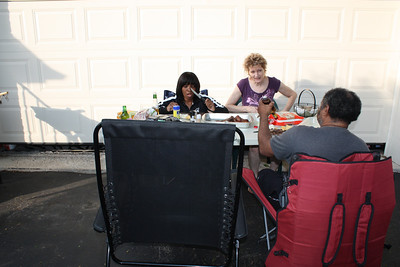 20110612 Barbecue in our Driveway