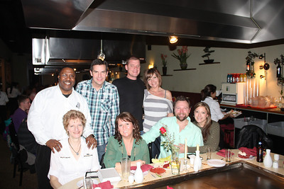 Friends-Nieghbors out to Dinner