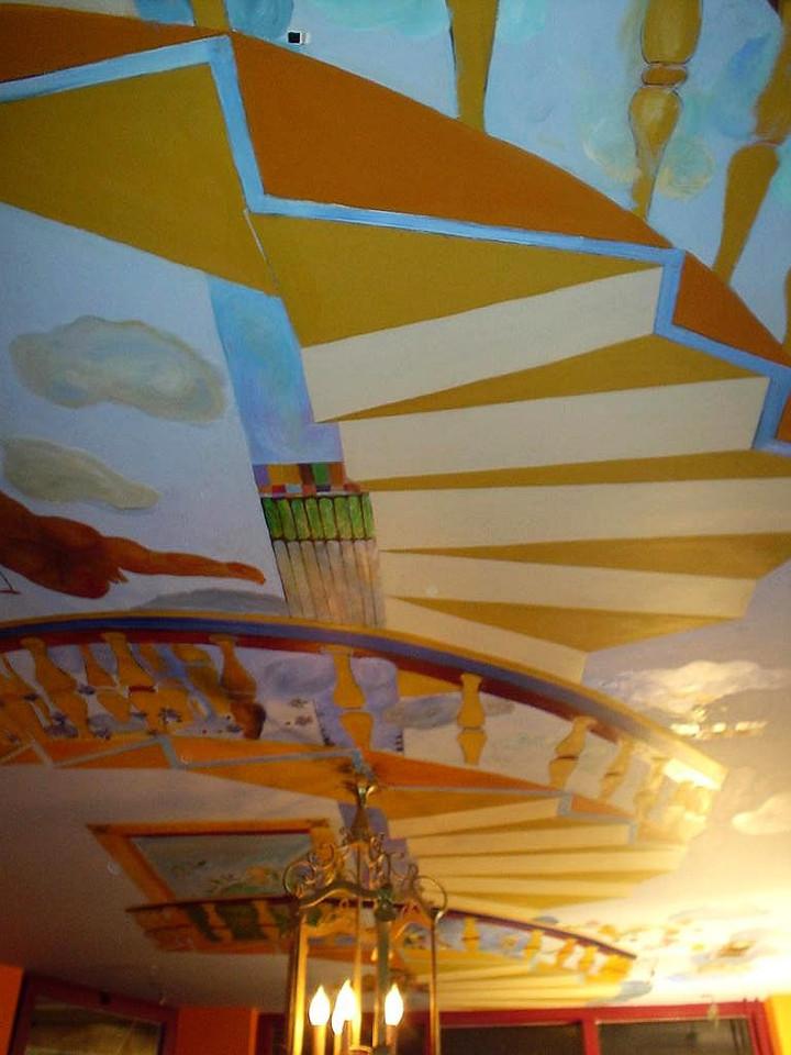 Ceiling of Bistro l'Orange set in Mediterranean colors