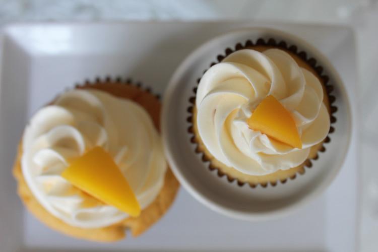 Esther's Cupcakes | Peaches & Cream | Petite et Grande
