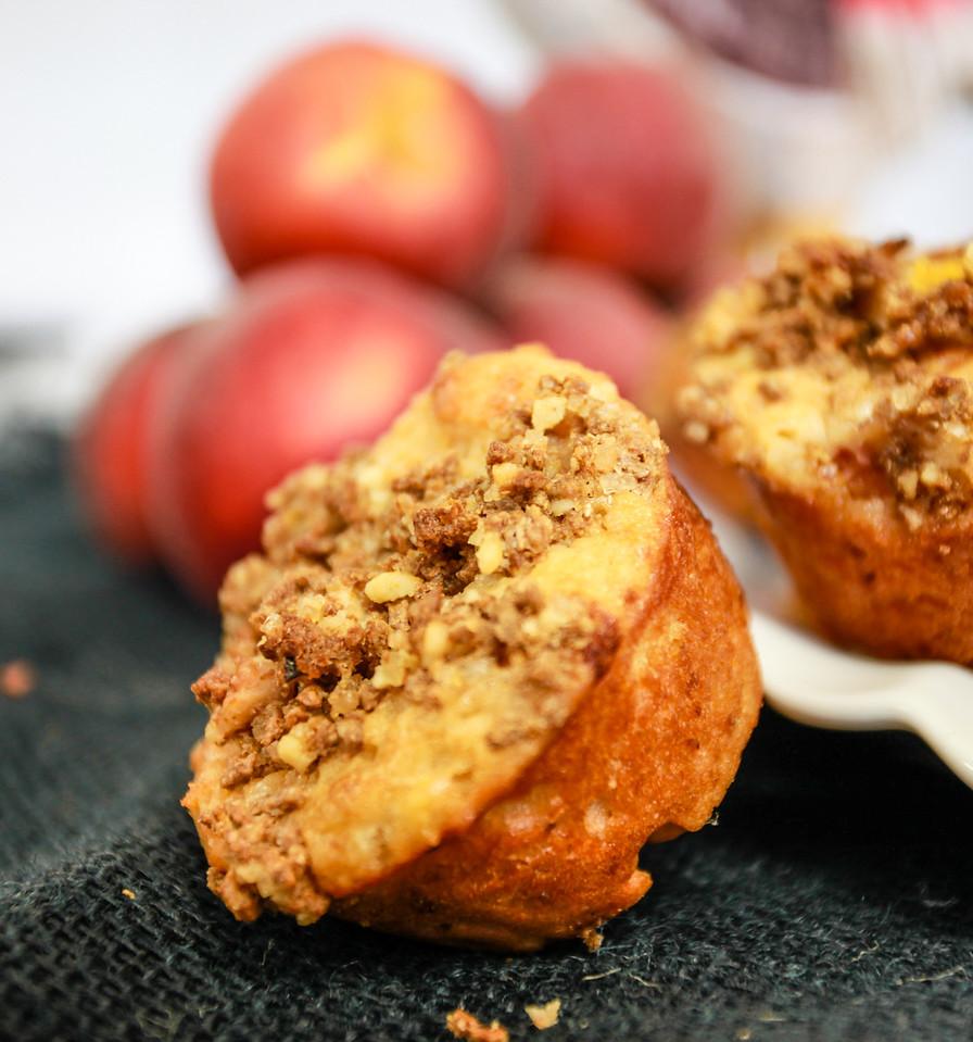 Summeripe Peach & Greek Yogurt Muffins with Bran Crumb Topping