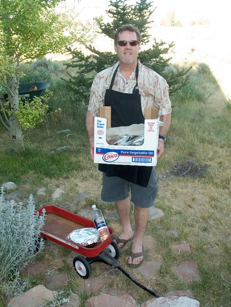 Chef Richard (Ricardo Paladin) arrives with his goodies.