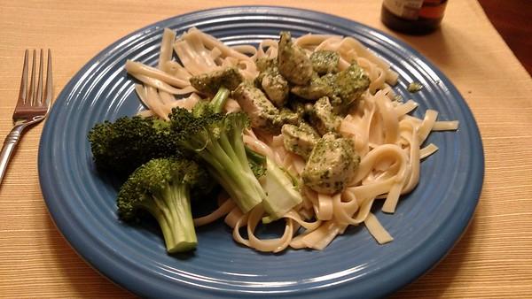 2015-04 Pesto Chicken and noodles