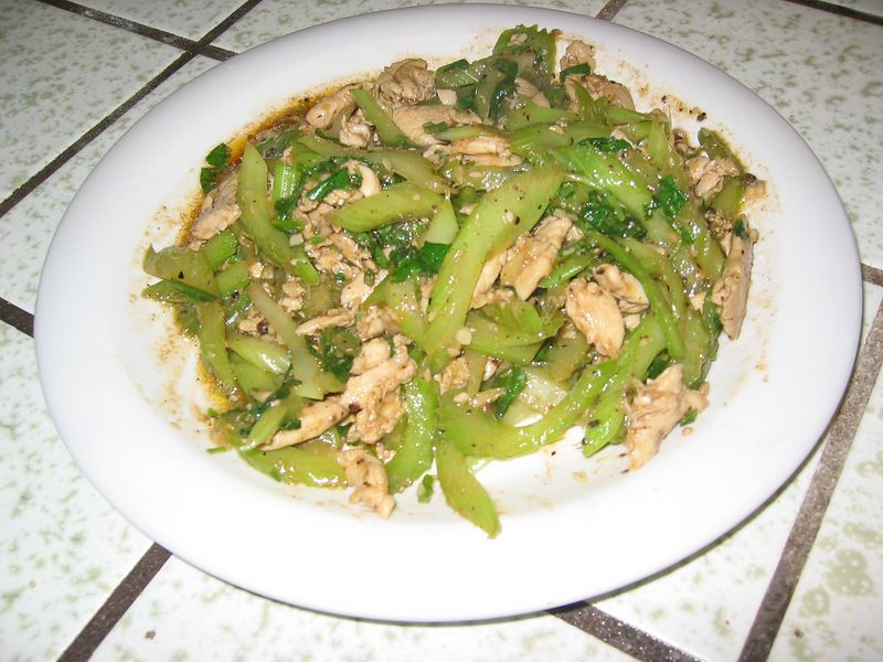 Chicken & celery in black pepper sauce