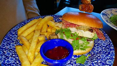 Chicken & stuffing burger