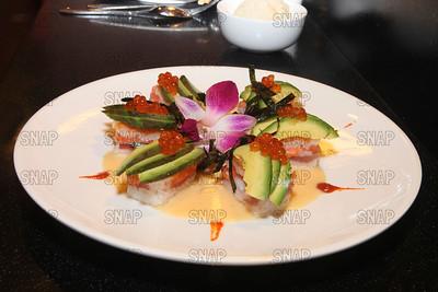 Fish Box (Tuna, Spicy Tuna, White Tuna, Salmon, Rice, Avocado, Salmon Roe, Nori Strips)