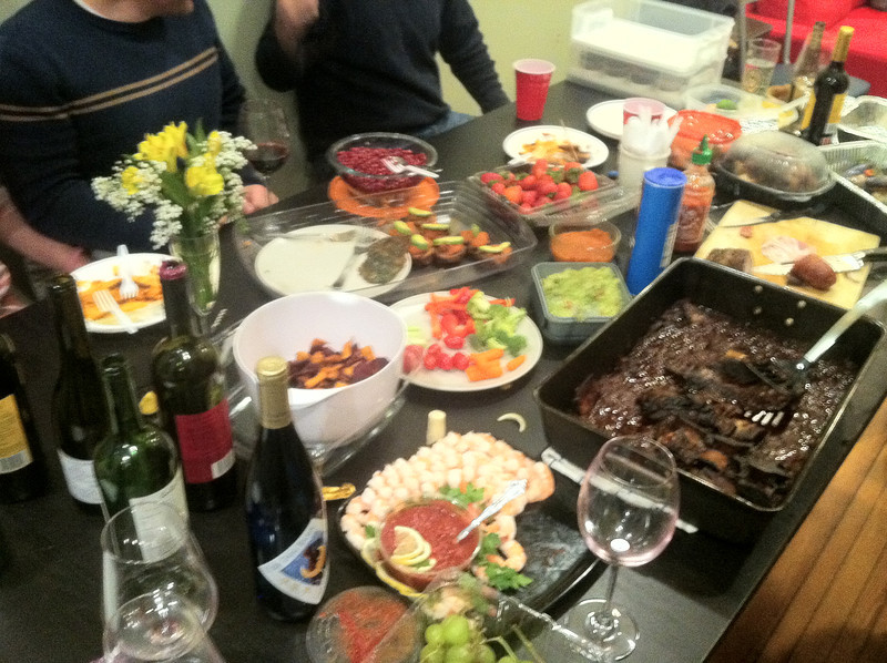 Eat & Enjoy with friends and other tasty paleo foods!