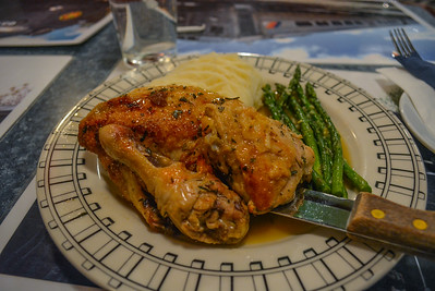 Herb Chicken with Mashed Potatoes and Asparagus