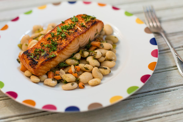 Thyme scented salmon with Tuscan White Bean Salad