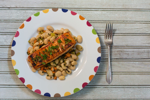 Thyme-scented Salmon with Tuscan White Bean Salad