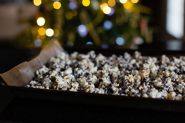 Cookies and Cream Popcorn - so easy and so good!