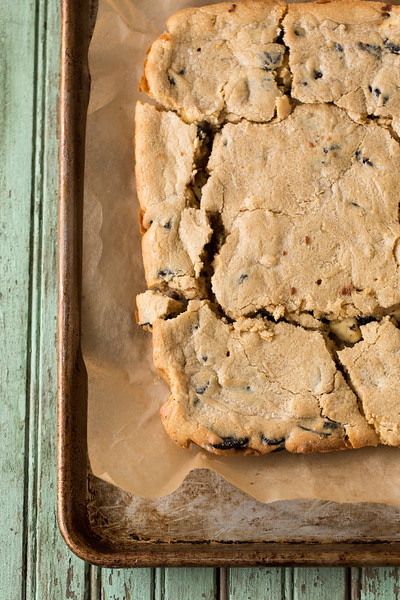 Baking tray with cookies and cream blondies.