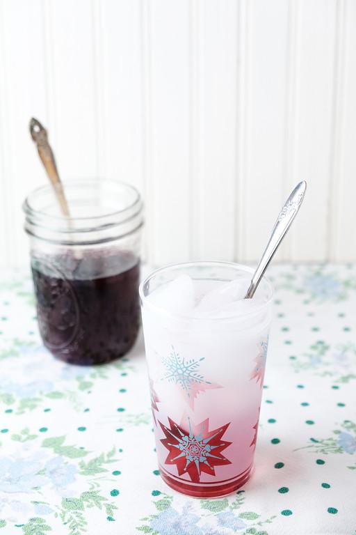 Blueberry shrub - blueberries, sugar and apple cider vinegar make an amazingly yummy drink!