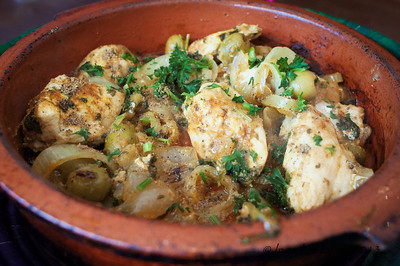 Chicken tangine with green olives and preserved lemons