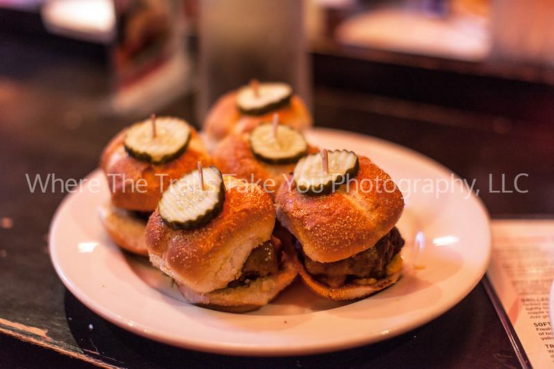 79  Mini Burgers