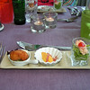 """Proevertje van de chef""<br /> Calamares-fritti, Wortel-bavarois, Kingkrab-slaatje<br /> (Markt-menu 2009-08-13)"