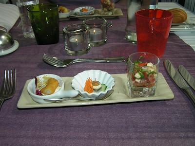 """""""Proevertje van de chef"""" Calamares-frutti, Ansjovis met olijf, Tomaat-mozzarella  (Lunch-menu 2009-08-14)"""