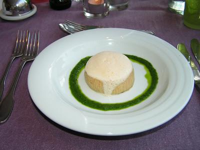 """""""Warm bavarois taartje van Gandaham en eend met schuimpje van Ras el hanout"""" (Markt-menu 2009-08-13)"""