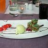 """Dessert van de dag!<br /> """"Roomijs van groene thee en een bavarois der van""""<br /> (Lunch-menu 2009-08-13)"""
