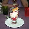 """Dessert van de dag: """"Riz condé met gemarineerde aardbeien en crouton-koekjes""""<br /> (Lunch-menu 2009-08-14)"""